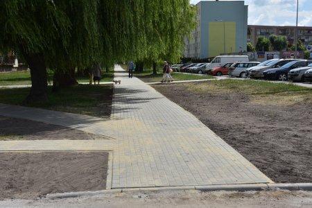 Wyremontowany chodnik w pobliżu Biedronki na Alek