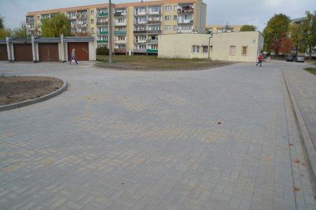 Wyremontowana droga wewnętrzna od ul. Batalionów