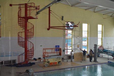 Budowa nowej zjeżdżalni na krytej pływalni