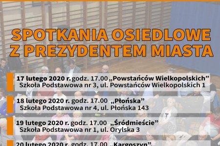 Plakat informujący o spotkaniach osiedlowych. Plakat podaje daty i miejsca wszystkich spotkań. Tło plakatu stanowi zdjęcie z ubiegłorocznego spotkania, wykonane z góry